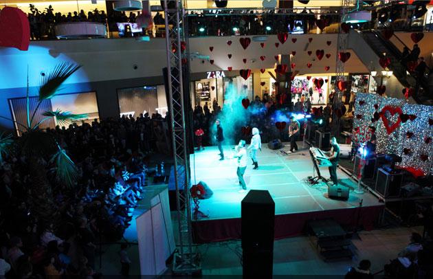Peste 350.000 de persoane atrase în Iulius Mall Cluj de mirajul Las Vegas-ului