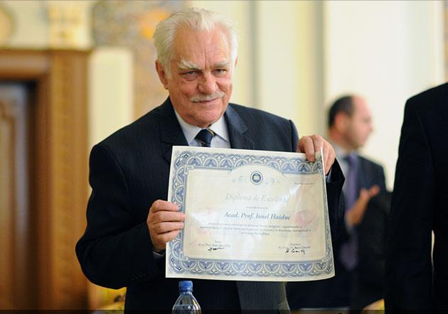 Acad. prof. univ. dr. Ionel Haiduc - diploma de excelenţă cu ocazia împlinirii vârstei de 75 de ani