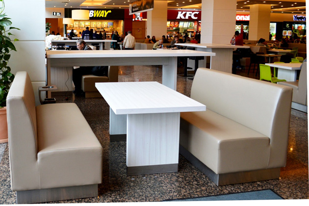 Zona Food Court din Iulius Mall Cluj, reamenajată modern
